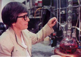 DuPont Chemist Stephanie Kwolek