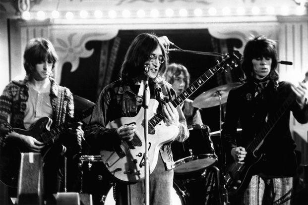 Watch John Lennon Eric Clapton And Keith Richards Play The Beatles Yer Blues Guitar World