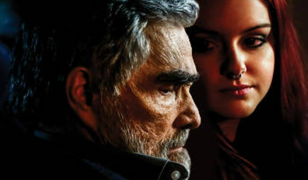 Burt Reynolds and Ariel Winter in Dog Years