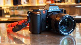 187MP Leica! The Leica SL2 now shoots massive megapixel images