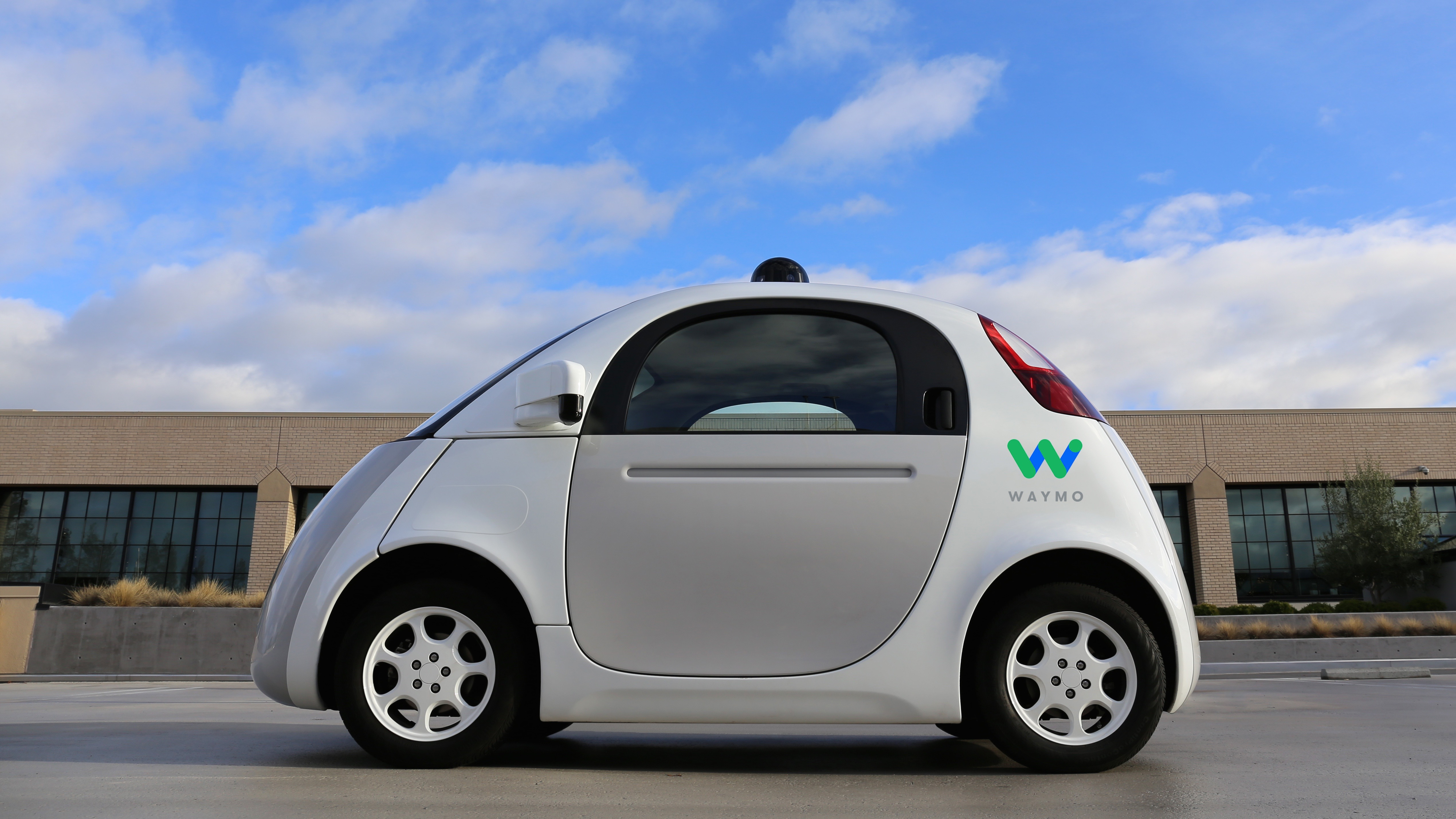 Future driverless cars could soften on impact to protect squishy pedestrians