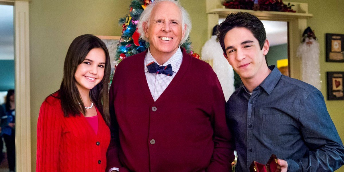 Bruce Dern, Zachary Gordon, and Bailee Madison in Pete's Christmas