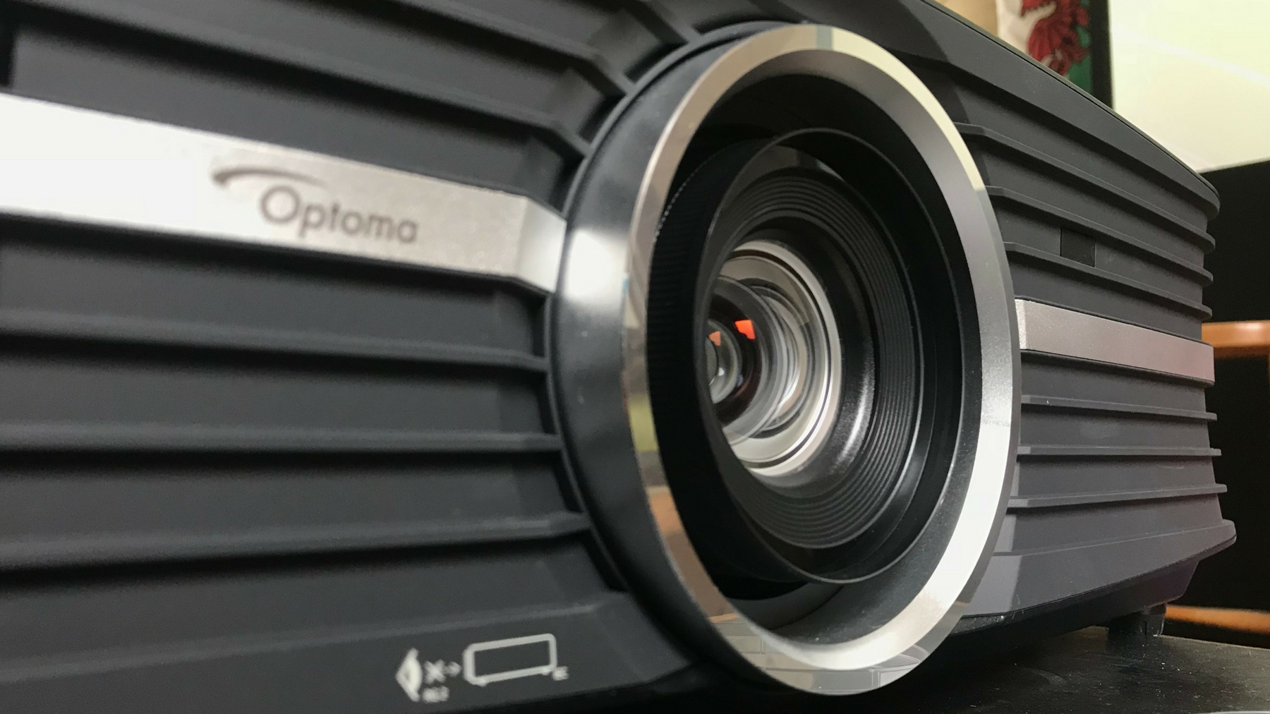 Best business projectors of 2020: top projectors for home and travel thumbnail