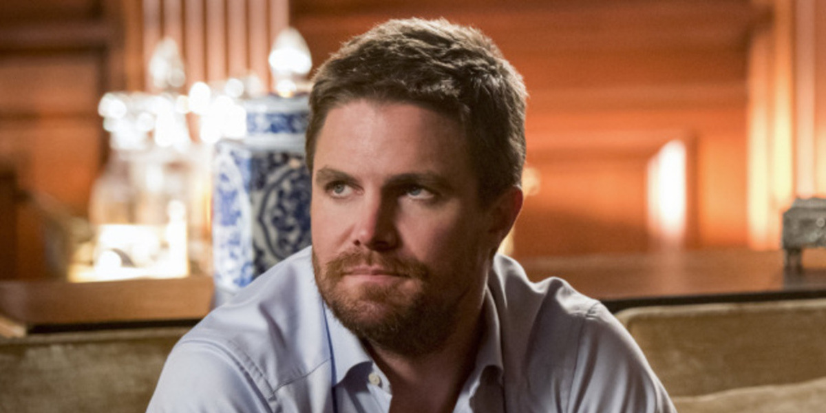 Why Is Oliver Queen Wearing A Mask Again In Arrow Season 8?