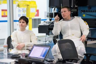 Astronauts Prep for Spacewalk Testing in Neutral Buoyancy Lab