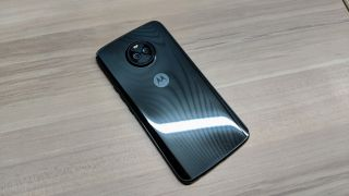 Motorola reportedly scaling back Moto Mods, ditching the