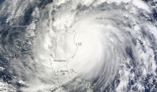 typhoon-megi-101018-02