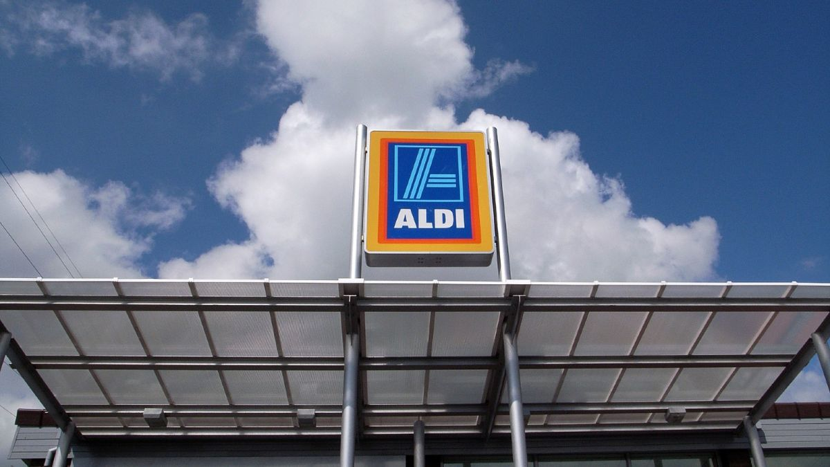 Aldi announces a major change to opening times and customers are not happy