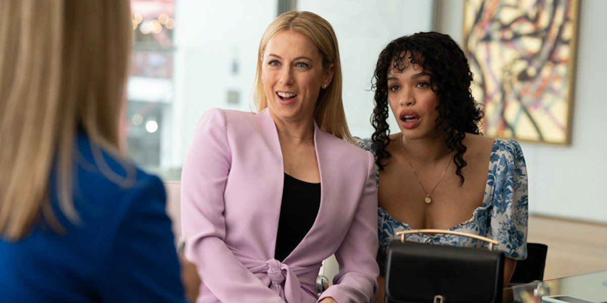 Iliza Shlesinger and Cleopatra Coleman in The Right One