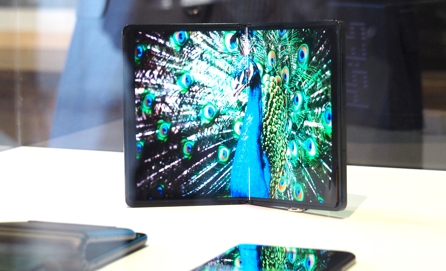 TCL's Foldable Phone, Coming in 2020, Looks Pretty Damn Cool | Tom's