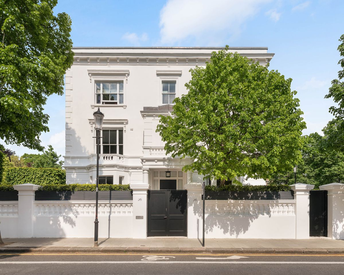 Tom Ford's former London home is a modern marvel hidden behind a classic façade
