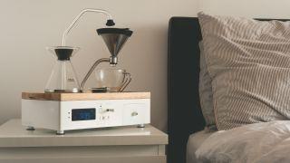 Barisieur alarm clock for tea and coffee making