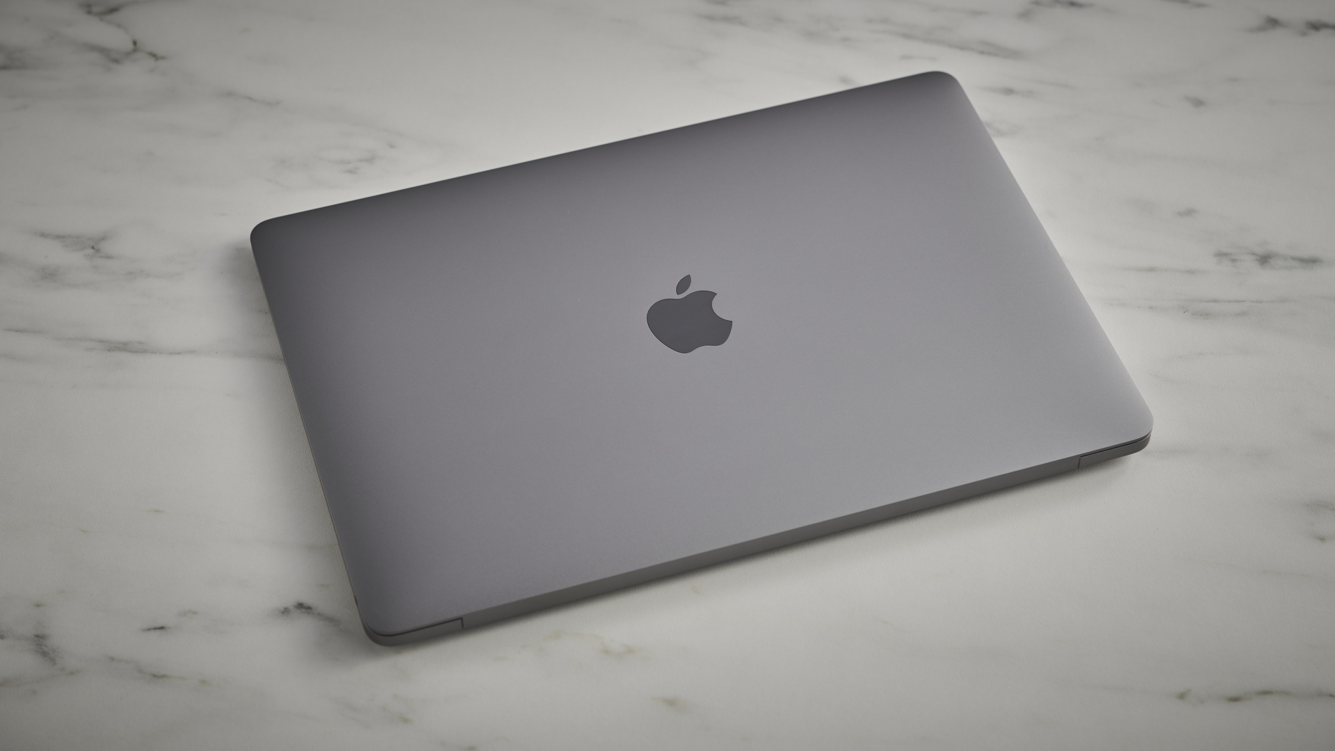 Apple MacBook Air (M1,2020)