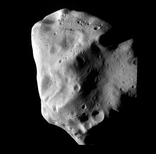 Battered Asteroid a Survivor From Solar System's Birth
