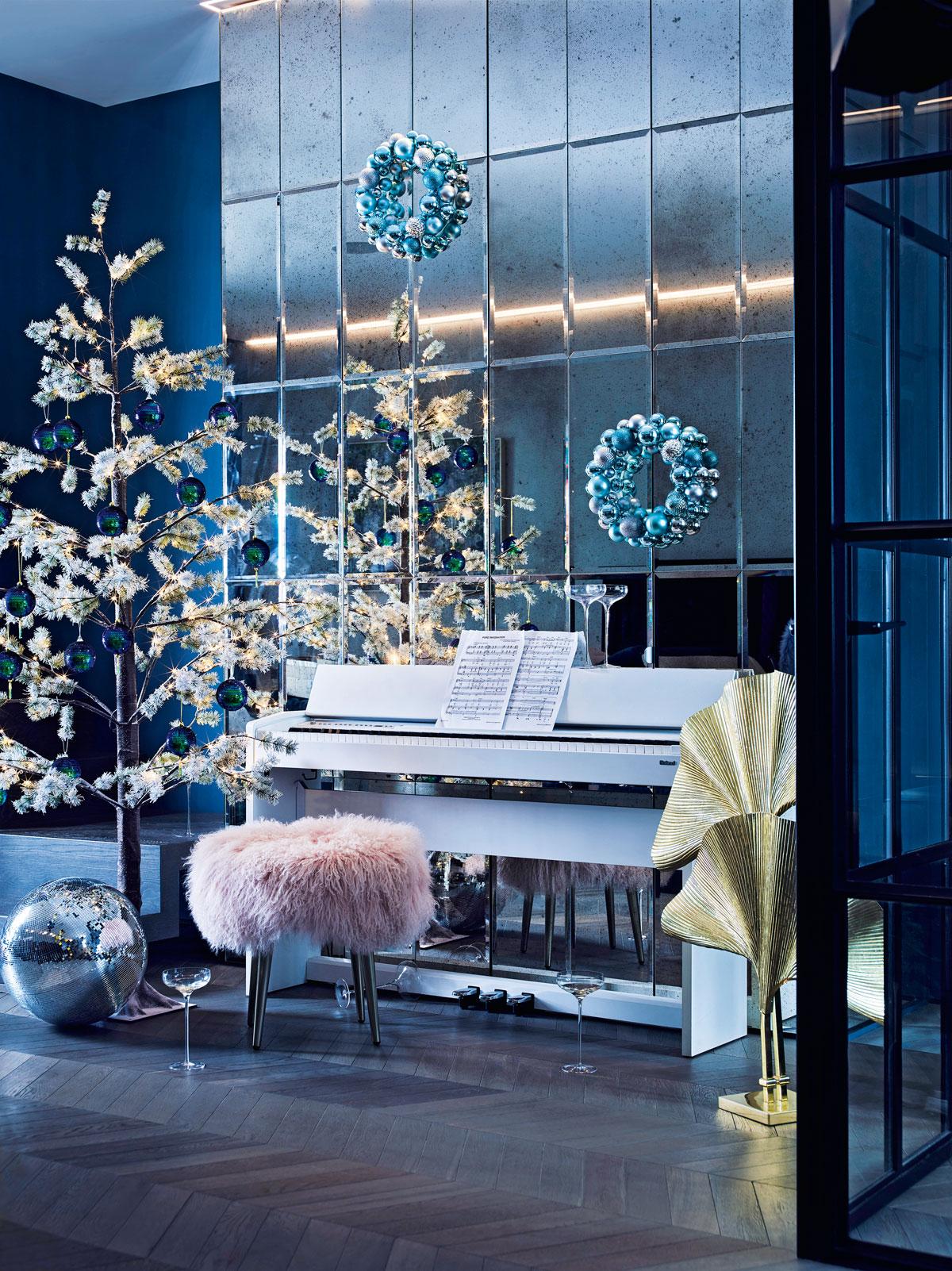 West Elm Christmas 2018.Christmas Decorating Trend Disco Christmas Livingetc