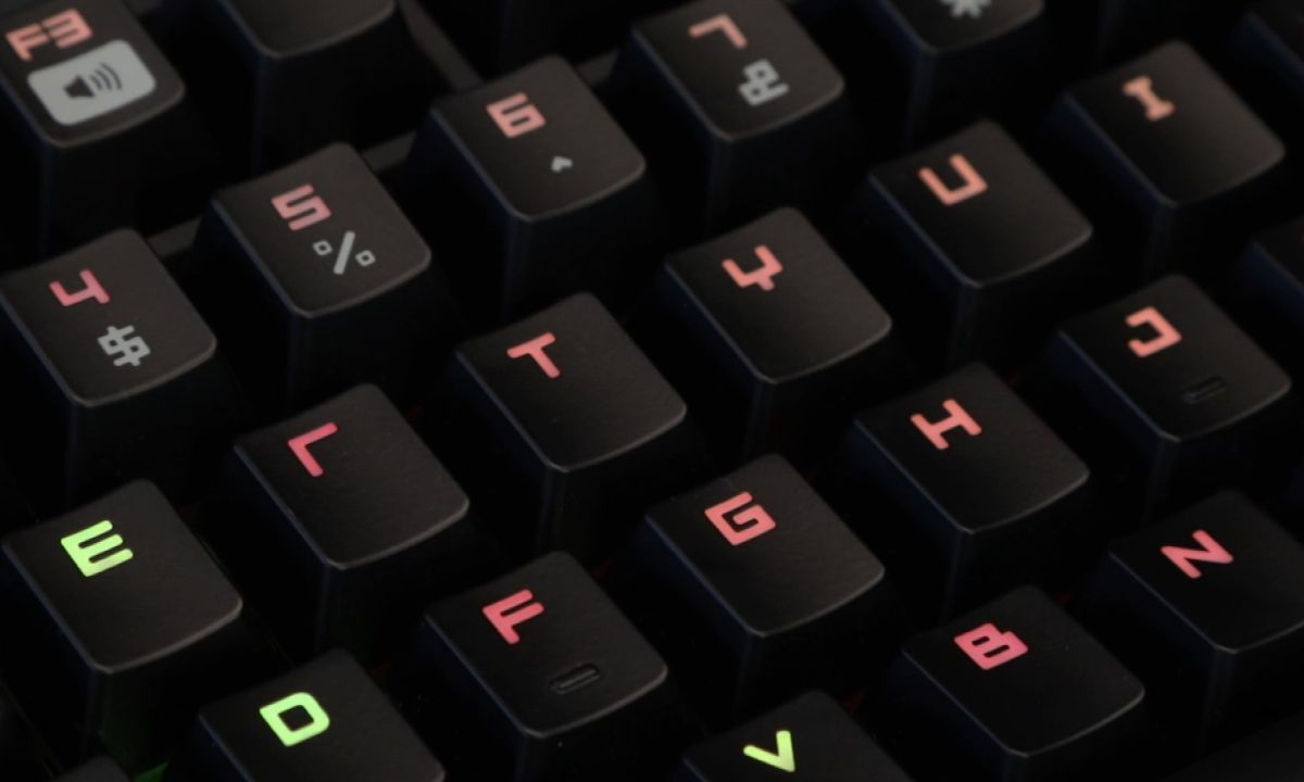 best gaming keyboards 2019 mechanical wireless rgb keyboards tom 39 s guide. Black Bedroom Furniture Sets. Home Design Ideas