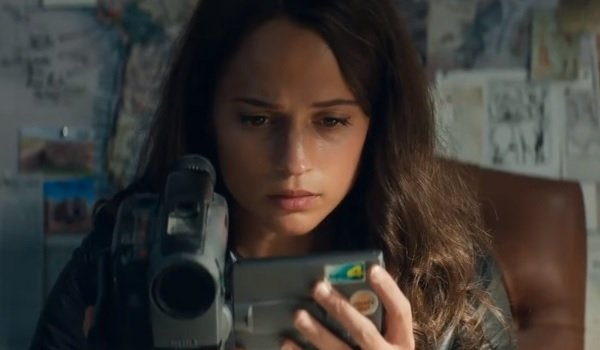Tomb Raider Alicia Vikander Lara Croft watching her father's warning