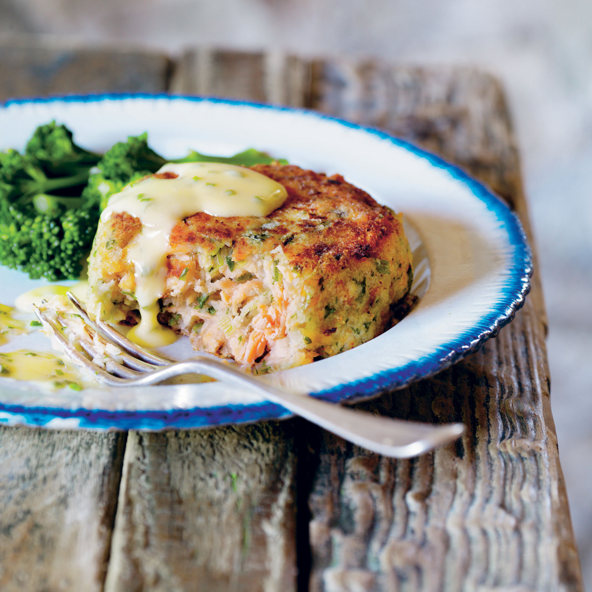 Deep Trout Fish Cakes With Lemon Butter And Chive Sauce Lunch Recipes Woman Home
