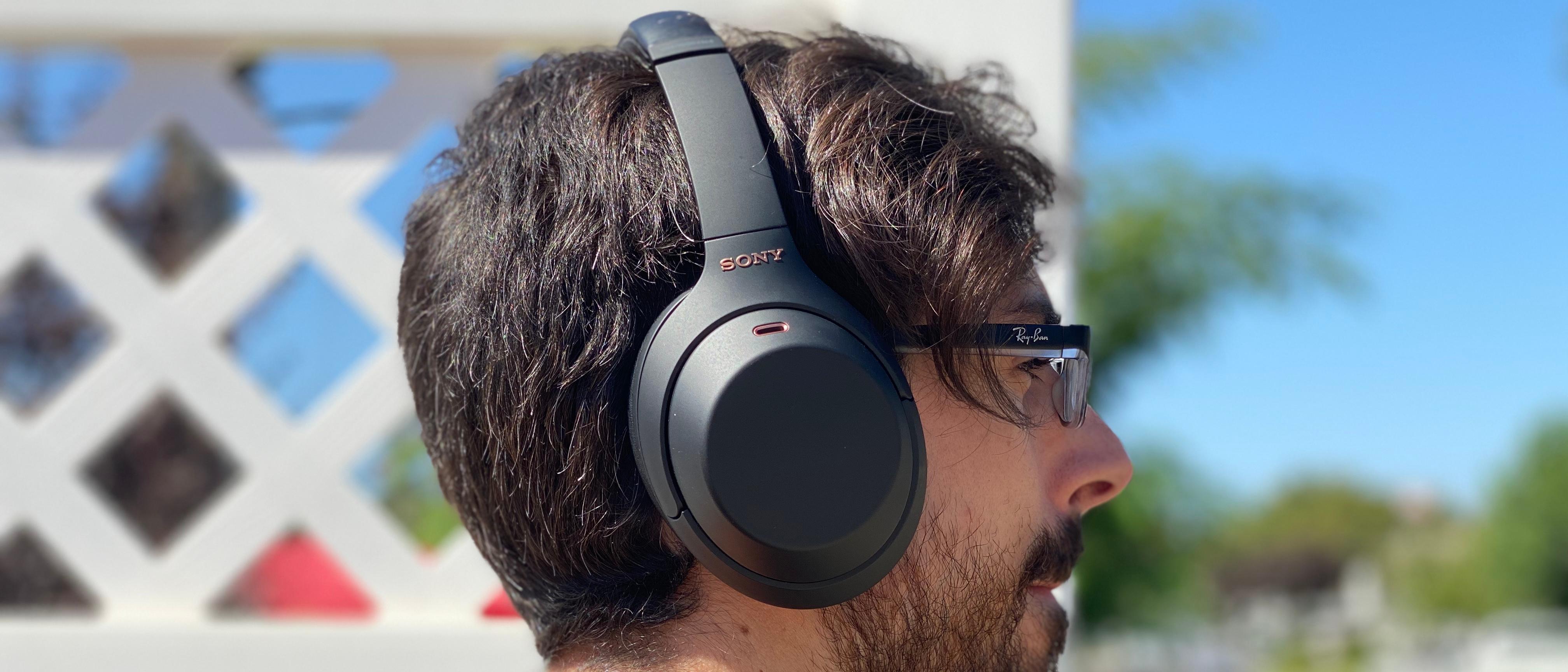 Sony WH-1000XM4 design