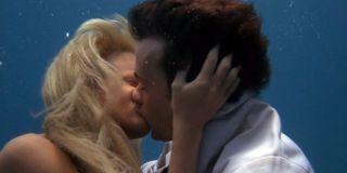 Darryl Hannah as Madison and Tom Hanks as Allen Bauer in Splash (1984)