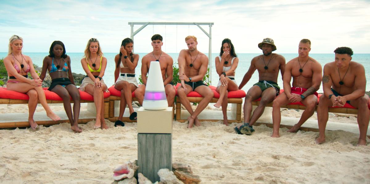Too Hot to Handle Season 2 contestants meet cone-shaped robot Lana on the beach