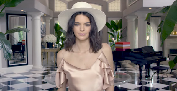 someone broke into kendall jenner 39 s house and stole jewelry. Black Bedroom Furniture Sets. Home Design Ideas