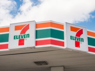 7 - 11 Sign