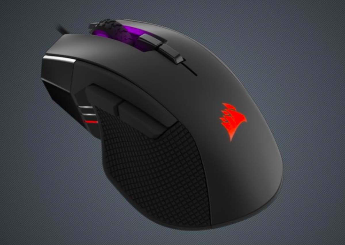 Corsair Ironclaw RGB Review: A Big Mouse for Big Hands