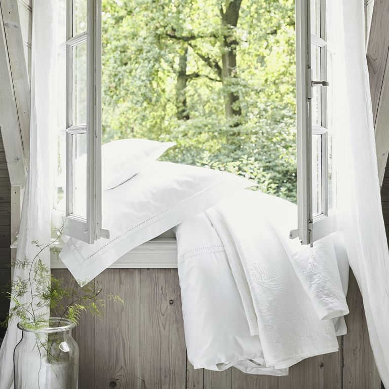 The White Company bedding