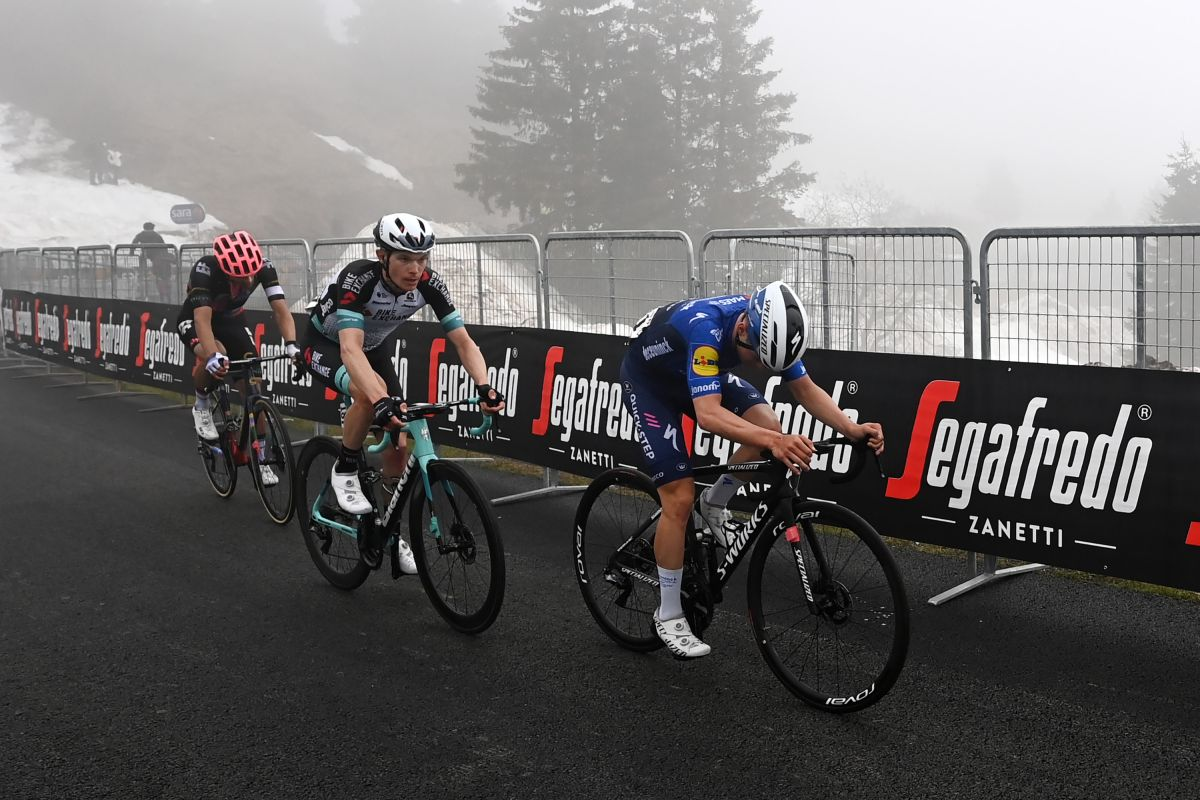 Remco Evenepoel's form 'is not what he had hoped for' but will still aim for top 10 at Giro d'Italia