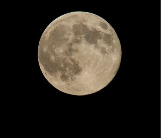 """A perigee full moon or """"supermoon"""" is seen, Sunday, Aug. 10, 2014, in Washington, D.C."""