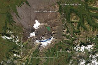 aniakchak-crater-111012-02