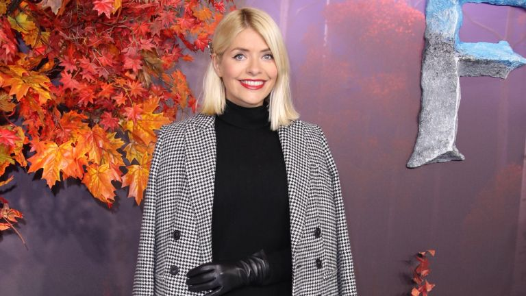 Holly Willoughby outfit