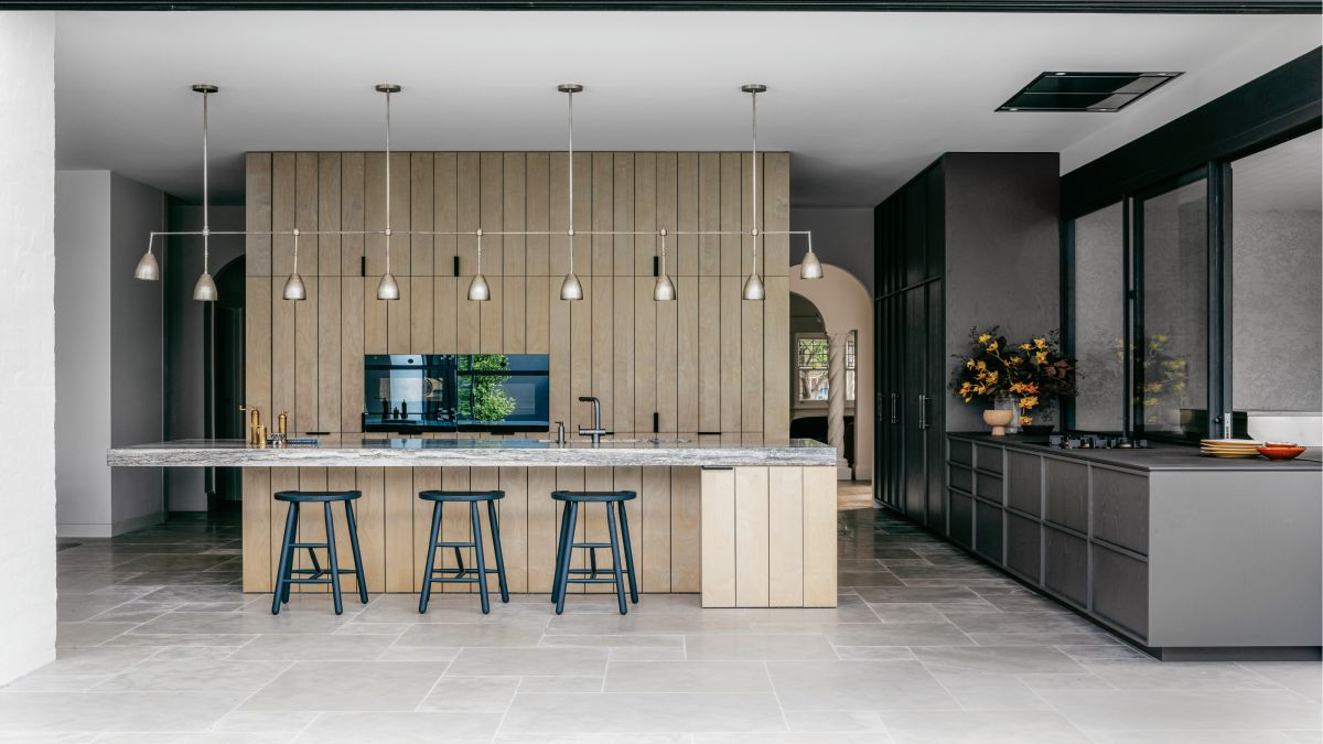 A 1920s house in Melbourne that unites traditional architecture with modern interiors