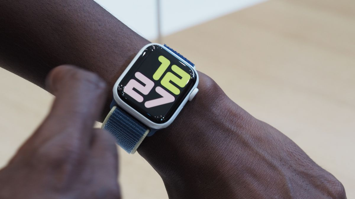Act Fast: Apple Watch 5 Is Already $50 Off
