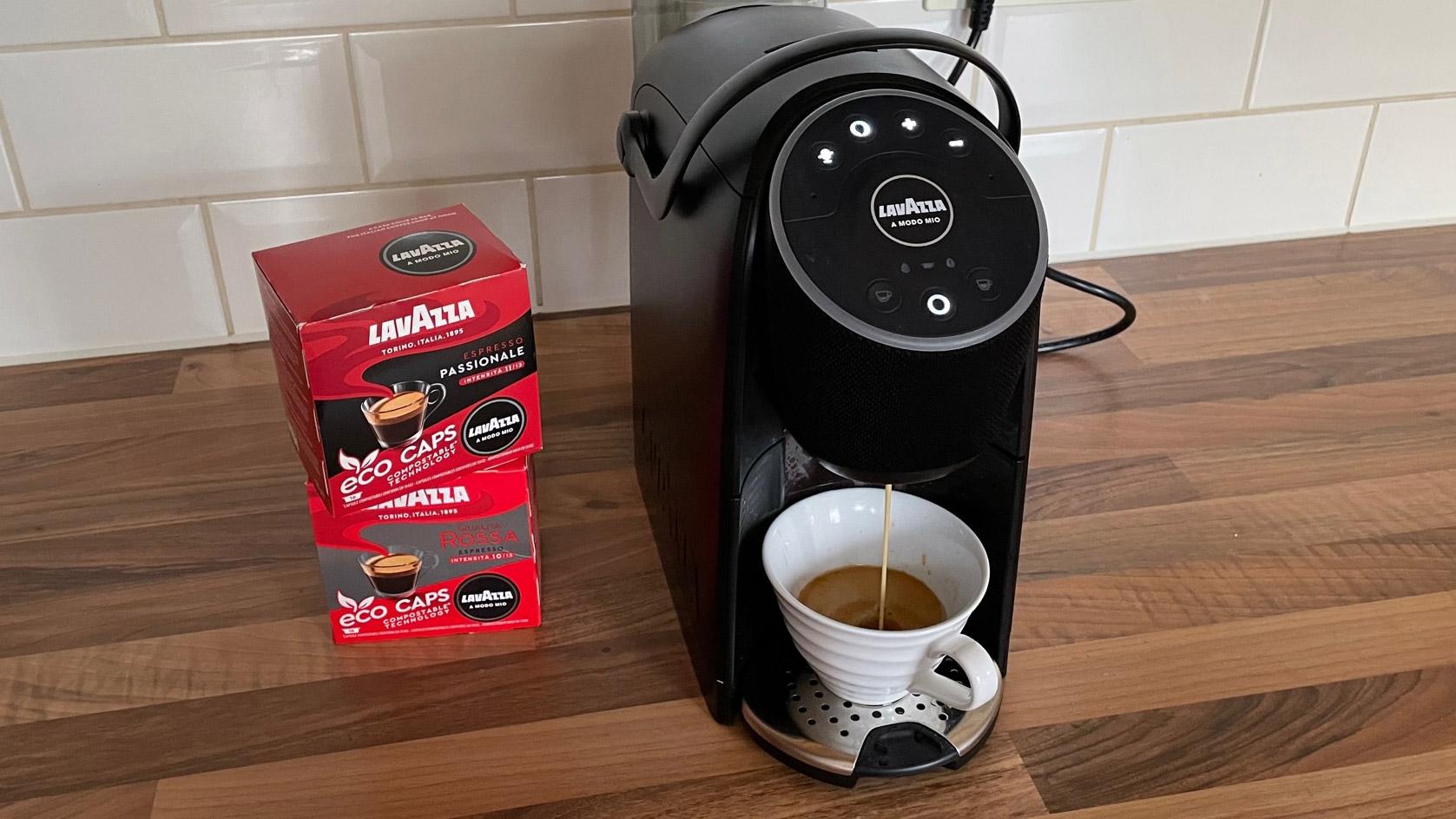 The Lavazza A Modo Mio Voicy being used to bbrew espresso