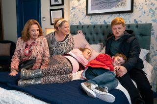 Coronation Street Spoilers: Gemma Winter is told her babies must stay in hospital
