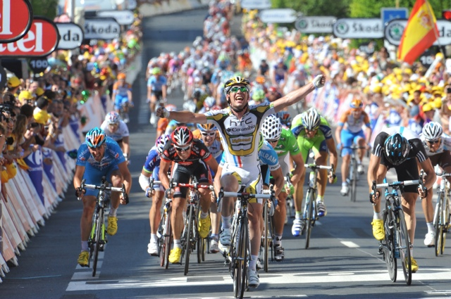 Mark Cavendish wins Tour de France stage 5