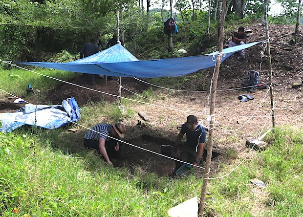 University of Pennsylvania student Whittaker Schroder (right) and Brown University bioarchaeologist Andrew Scherer (left) excavate in the Maya ballcourt.