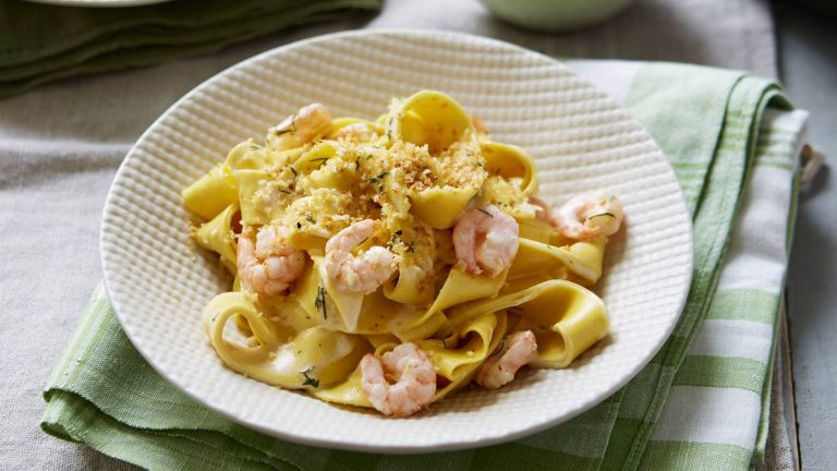 Riesling prawn pasta with garlic and lemon breadcrumbs