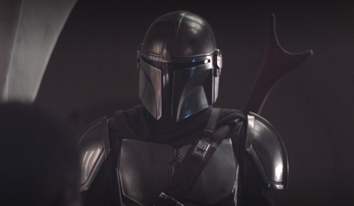 the mandalorian shiny new armor
