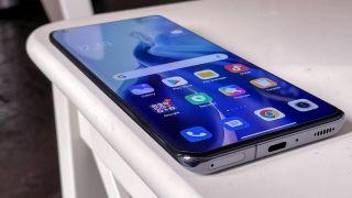curved phone screens