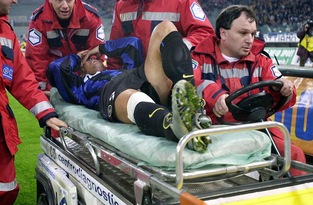 Ronaldo S Kneecap Exploded It Was By His Thigh Fourfourtwo
