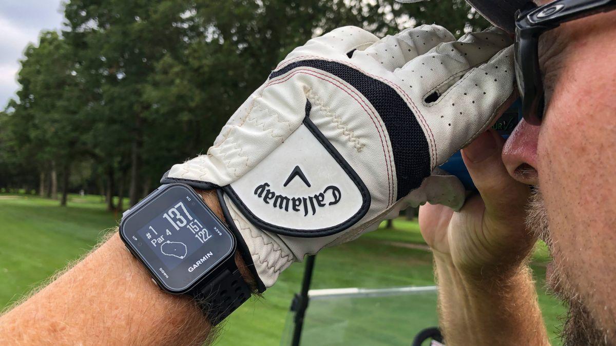 Garmin Approach S20 Review: The Best Golf Watch Under $200