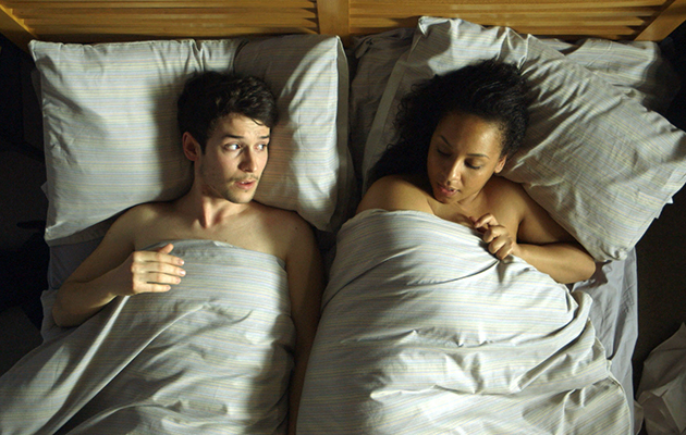 Holby Cameron (Nic Jackman) sleeps with Nicky (Belinda Owusu)