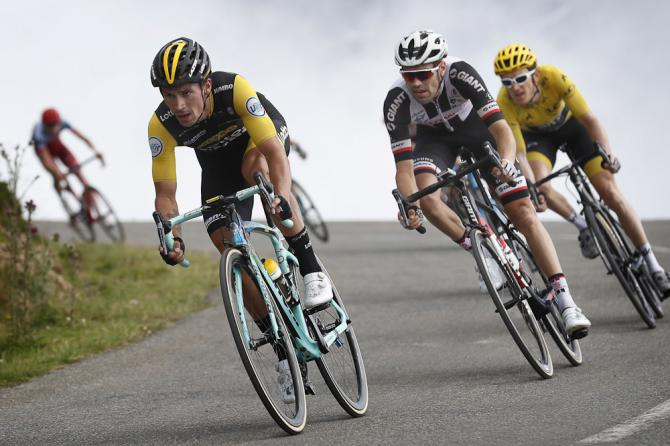 Primoz Roglic leads Tom Dumoulin on the descent to the finish of stage 19