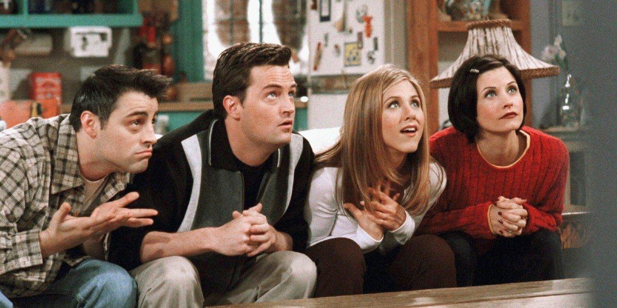 Matthew Perry, Jennifer Aniston, Courteney Cox, and Matt LeBlanc in Friends
