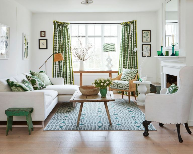 Country decorating ideas - green and white living room scheme