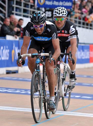 Juan Antonio Flecha and Thor Hushovd, Roubaix velodrome, Paris-Roubaix 2010