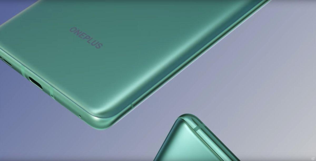 Stunning OnePlus 8 design makes Samsung Galaxy S20 look blah - Tom's Guide